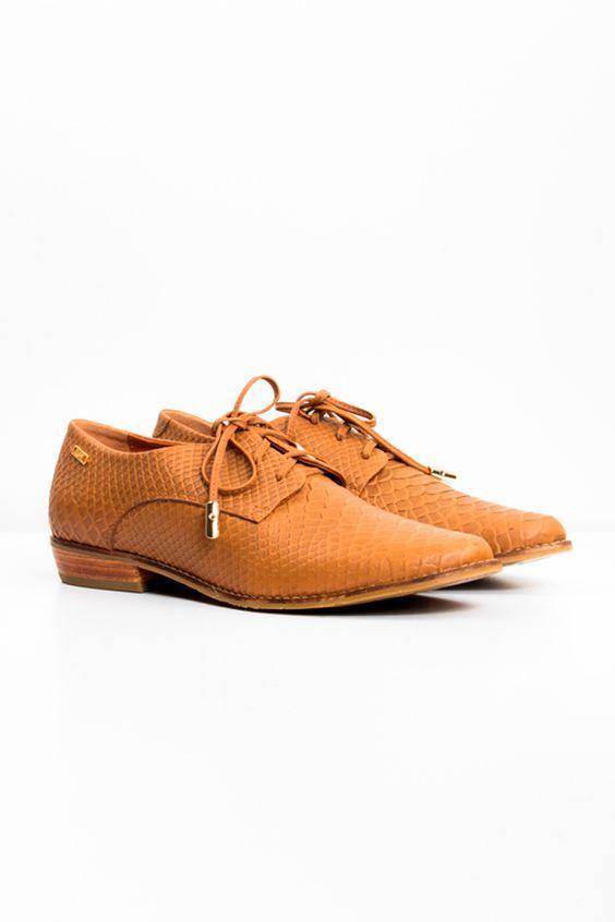 Zapatos_con_cordon_para_mujer