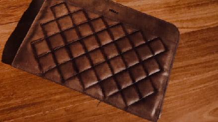 Encuentra nuestras ofertas en los mejores productos hechos en Cuero en nuestra Tienda Online Vélez, billeteras, bolsos, zapatos y cinturones