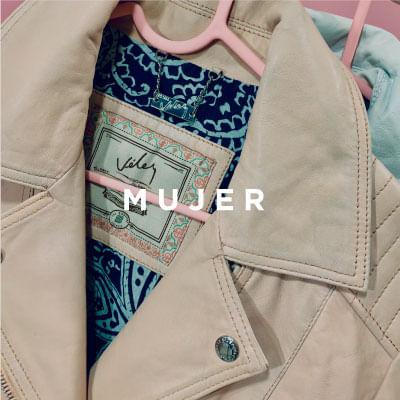 En Vélez tenemos los mejores productos en Cuero para mujer, conoce nuestros bolsos femeninos, billeteras y accesorios