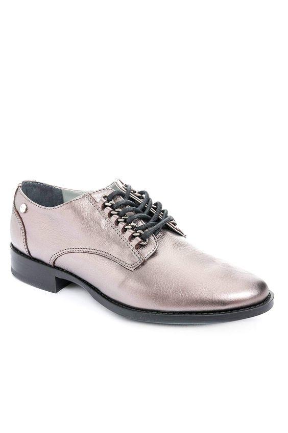 Zapatos-de-cuero-con-cordonpara-mujer