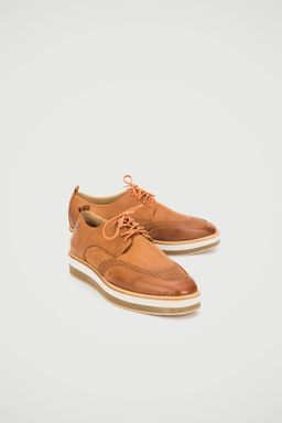 Zapato-con-cordon-de-cuero-para-mujer