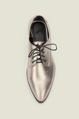 Zapatos-con-cordon-para-mujer